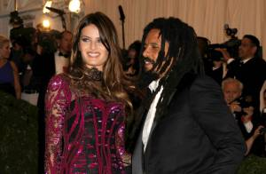 Rohan Marley et sa belle Isabeli Fontana : Fiançailles du fils de Bob et du top