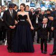 Présentation du film De rouille et d'os au festival de Cannes le 17 mai 2012 : Jacques Audiard, Marion Cotillard, Armand Verdure et Matthias Schoenaerts