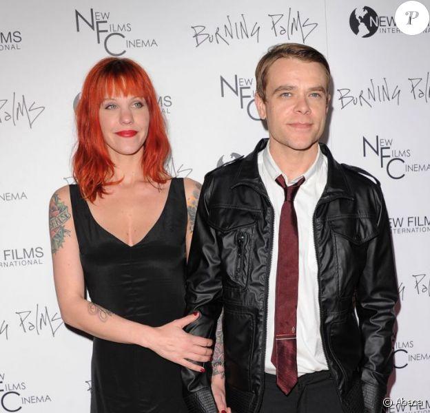 Nick Stahl et sa femme Rose en janvier 2011. En mai 2012, l'acteur de Terminator 3 se volatilise pendant plusieurs jours avant de donner signe de vie...