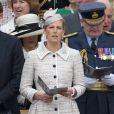 La comtesse Sophie de Wessex, fidèle au poste et à son élégance. La reine Elizabeth II, avec son époux le duc d'Edimbourg, des membres de sa famille et ses invités de marque, assistait le 19 mai 2012 à Windsor à la grande parade des forces armées britanniques donnée en l'honneur de son jubilé de diamant.