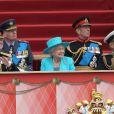 La reine Elizabeth II, avec son époux le duc d'Edimbourg, des membres de sa famille et ses invités de marque, assistait le 19 mai 2012 à Windsor à la grande parade des forces armées britanniques donnée en l'honneur de son jubilé de diamant.