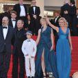 Alexandra Lamy, William Hurt, Sandrine Bonnaire, lors de la montée des marches du Palais des Festivals, pour la présentation du film Cogan - La Mort en Douce, à Cannes le 22 mai 2012