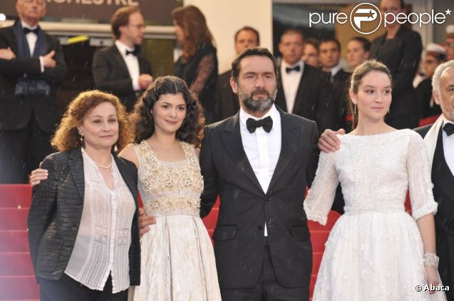 Catherine Arditi, Audrey Tautou, Gilles Lellouche et Anaïs Demoustier lors de la montée des marches pour la cérémonie de clôture du Festival de Cannes le 27 mai 2012