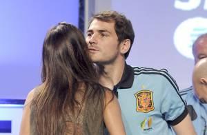 Iker Casillas et Sara Carbonero : Après le baiser fougueux, le salut timide !