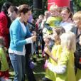 La princesse Mary de Danemark en campagne le 3 juin 2012 à Copenhague pour Free from Bullying, opération de lutte contre les intimidations faites à l'école soutenue par sa fondation.