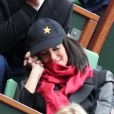 Jade Foret, enceinte, et Arnaud Lagardère, amoureux, assistent aux internationaux de France de Roland-Garros à Paris, le 4 juin 2012