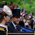 Clarence House a annoncé le 7 juin 2012 que le prince William avait été promu au grade de capitaine de la Royal Air Force, suite à la réussite de tests le 29 mai. Le fils du prince Charles va désormais pouvoir prendre le commandement des opérations dans son unité de recherche et de secours, au sein du 22e escadron de la RAF Valley