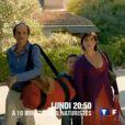 Lionel Abelanski et Christine Citti dans  À dix minutes des naturistes , de Stéphane Clavier. Le lundi 11 juin à 20h50 sur TF1.