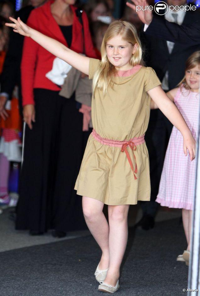 La princesse Catharina-Amalia dans ses oeuvres.   La princesse Maxima et le prince Willem-Alexander des Pays-Bas honoraient le 5 juin 2012 au Heineken Music Hall, avec leurs filles les princesses Catharina-Amalia, Alexia et Ariane, le concert de gala de 3 000 enfants bénéficiaires du programme Kinderen Maken Muziek.