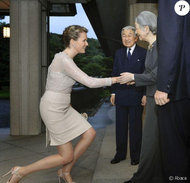 Le prince Philippe et la princesse Mathilde de Belgique étaient reçus à dîner par l'empereur Akihito et l'impératrice Michiko, 12 juin 2012, à Tokyo.