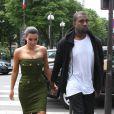 Kanye West et Kim Kardashian, en amoureux à Paris le 17 juin 2012