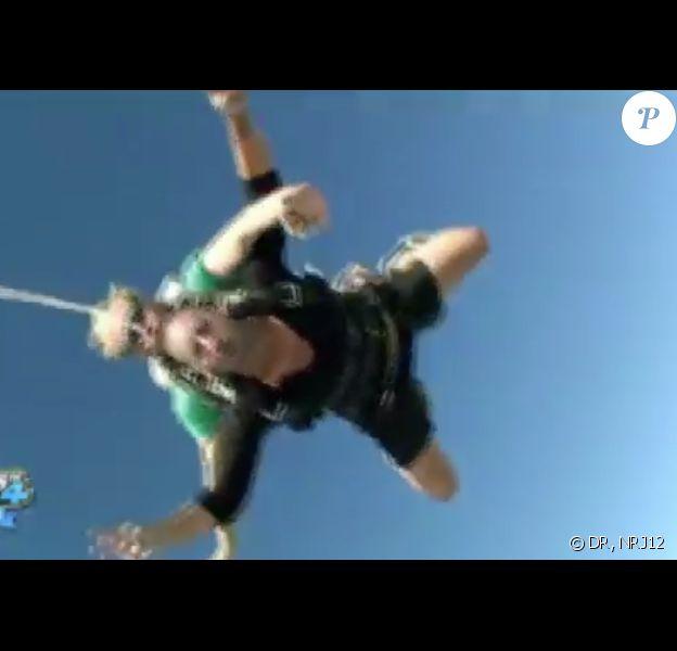 Saut en parachute pour Aurélie et Sofiane dans les anges de la télé-réalité 4, mercredi 20 juin 2012 sur NRJ12
