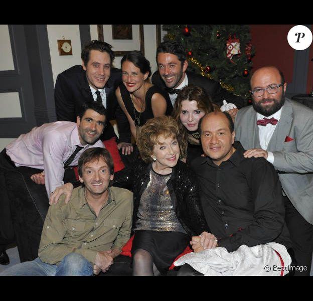 Pierre Palmade, Marthe Mercadier et les comédiens de la pièce 13 à table, le mercredi 20 juin, à l'occasion d'une représentation de la pièce, au théâtre Saint-Georges, à Paris.
