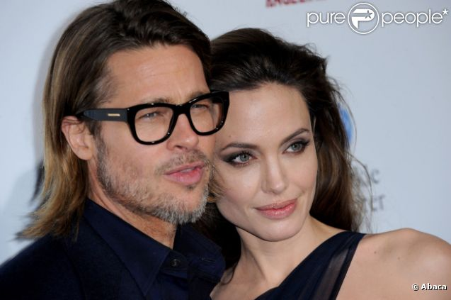 Angelina Jolie et Brad Pitt en décembre 2011 à Los Angeles.