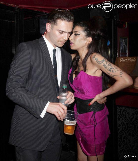 Amy Winehouse et Reg Traviss le 13 juillet 2010 à Londres