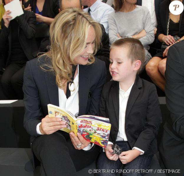 Sharon Stone et son fils Quinn au défilé Dior Homme Printemps-Eté 2013 au Tennis Club de Paris, le 30 juin 2012.