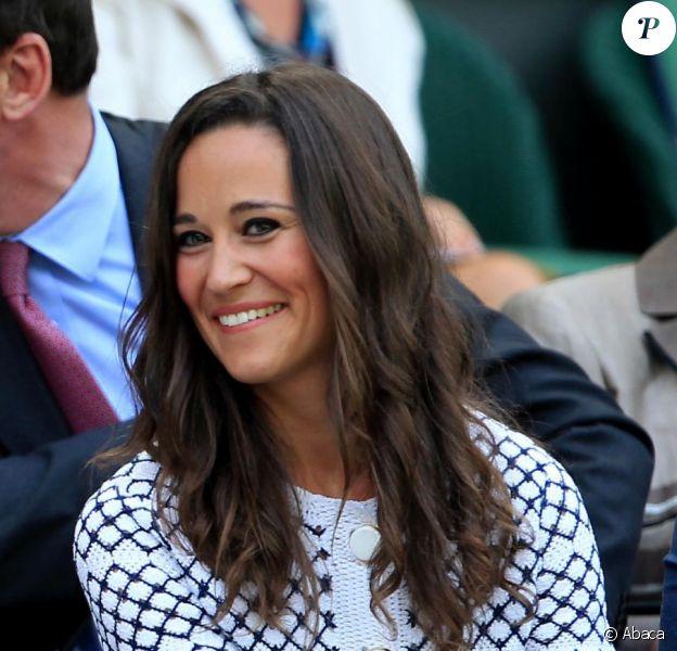 Pippa Middleton dans la loge royale à Wimbledon le 28 juin 2012.