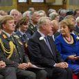Le prince Willem-Alexander rendait hommage le 30 juin 2012 aux anciens combattants, à La Haye, avec le Premier ministre Mark Rutte et la princesse Margriet, à l'occasion de la journée des vétérans.