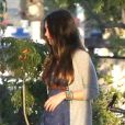 EXCLU : Megan Fox, enceinte, affiche un ravissant petit ventre alors qu'elle se rend au restaurant Spark Grill à Studio City à Los Angeles avec son mari Brian Austin Green le 6 juillet 2012
