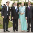 Albert et Charlene de Monaco, après avoir été accueillis à Berlin par le président Joachim Gauck et sa compagne Daniella Schadt, ont rencontré le ministre des Affaires Etrangères Guido Westerwelle dans le cadre d'une promenade fluviale, le 9 juillet 2012.