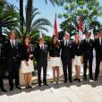 Albert et Charlene ont posé avec la délégation monégasque. Le prince Albert de Monaco et la princesse Charlene procédaient le 12 juillet 2012 à la présentation de la délégation olympique monégasque pour les JO de Londres 2012, à l'Hôtel Hermitage. Six athlètes porteront les couleurs de la principauté.