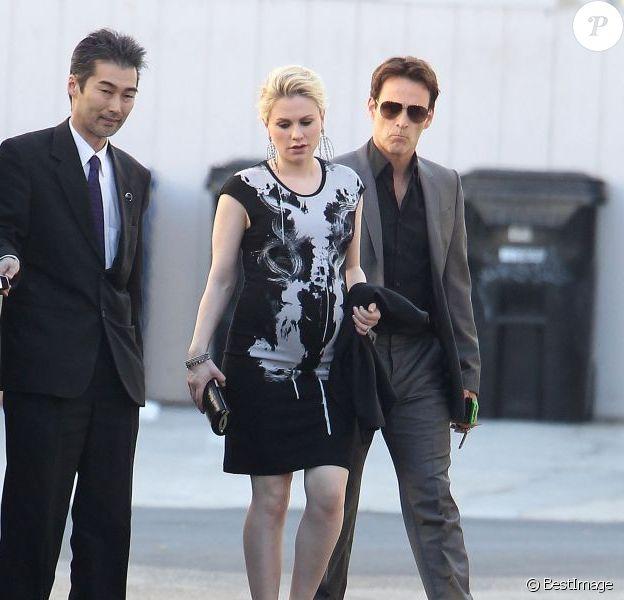 Les stars de True Blood Anna Paquin et Stephen Moyer dans le quartier de Venice, à Los Angeles, le 17 juillet 2012.