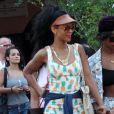 Rihanna, sexy dans sa combinaison Topshop, fait du shopping dans les boutiques de luxe de Porto Cervo avec sa meilleure amie Melissa Forde. Le 17 juillet 2012.