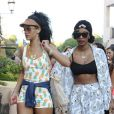Rihanna fait du shopping dans les boutiques de luxe de Porto Cervo avec sa meilleure amie Melissa Forde. Le 17 juillet 2012.