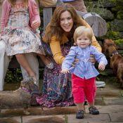 Famille royale de Danemark à Grasten : le prince Vincent, 18 mois, marche !