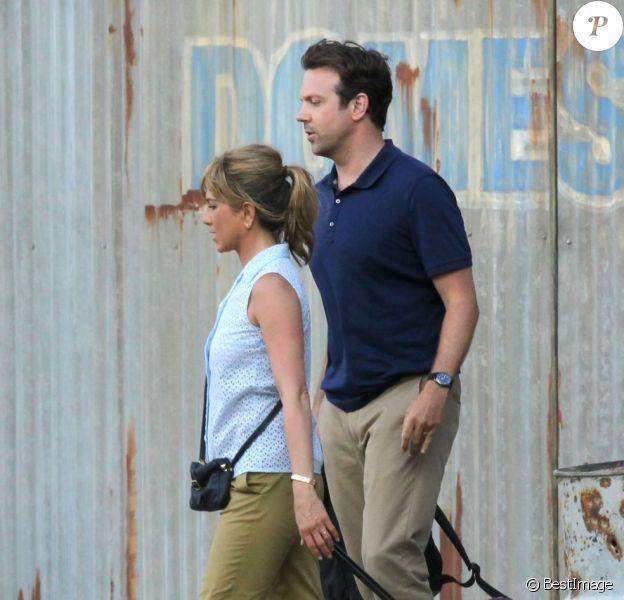 Jennifer Aniston et Jason Sudeikis sur le tournage de We're the Millers le 23 juillet 2012 à Wilmington
