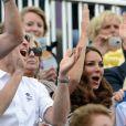 Kate Middleton, le prince William et le prince Harry à Greenwich Park devant la finale du concours complet par équipes, le 31 juillet 2012.