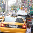 Katie Holmes et sa fille Suri Cruise se promènent dans les rues de New York le 19 août 2012