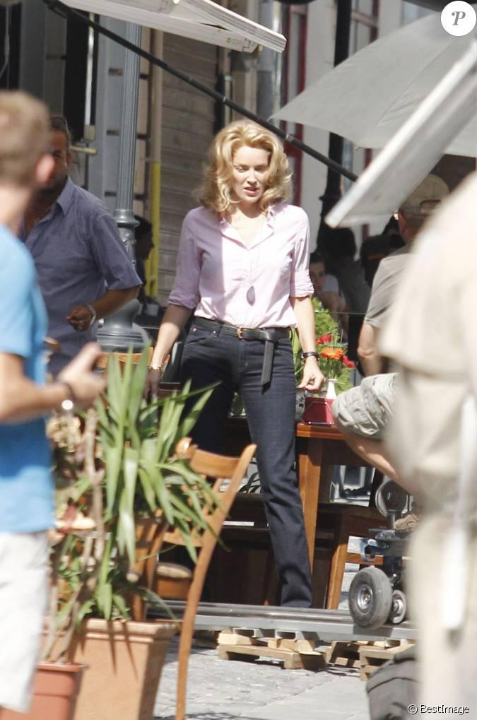 Sharon stone porte une perruque pour les besoins du film for Juives portent une perruque
