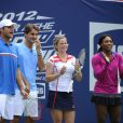 Roger Federer, Andy Roddick, Kim Clijsters et Serena Williams lors du 17e Arthur Ashe Kids' Day au USTA Billie Jean King National Tennis Center in Flushing Meadows à New York le 26 août 2012