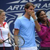 US Open : Roger Federer et Serena Williams hilares en musique et en chanson