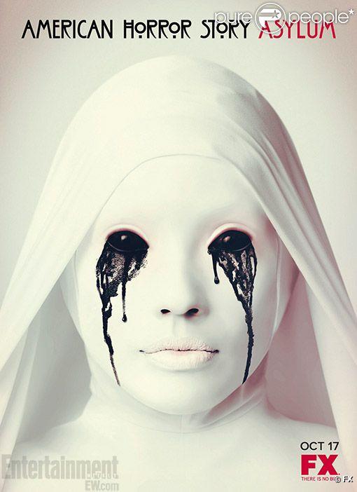 Une affiche promo de la série  American Horror Story.
