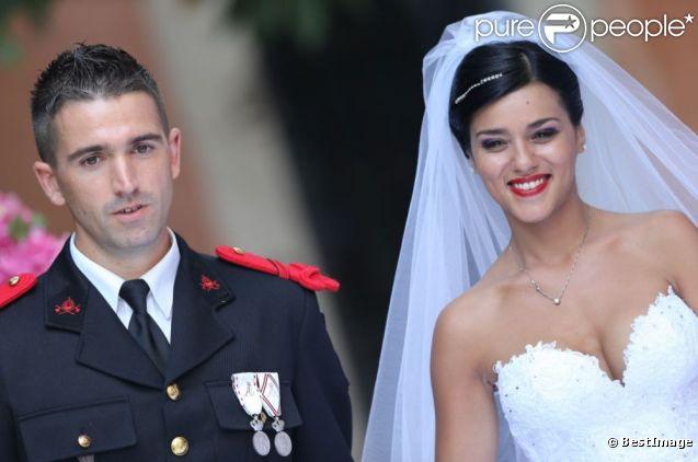 Sonia Lacen et Julien Lamour, fous d'amour, lors de leur mariage le 25 août 2012 à Saint-Rémy-de-Provence