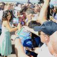 Salma Hayek signe des autographes à Deauville, le 8 septembre 2012