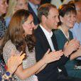 Le duc et la duchesse de Cambridge ont assisté à une représentation donnée par des enfants handicapés du Rainbow Centre lors de leur voyage en Asie du sud-est à Singapour le 12 septembre 2012