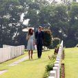 Le prince William et son épouse Kate se sont rendus au Kranji War Memorial pour rendre hommage aux soldats du Commonwealth disparus durant les conflits lors de leur dernier jour passé à Singapour, le 13 septembre 2012