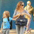Sarah Jessica Parker en total look gris et son fils James dans les rues de New York le 14 septembre 2012