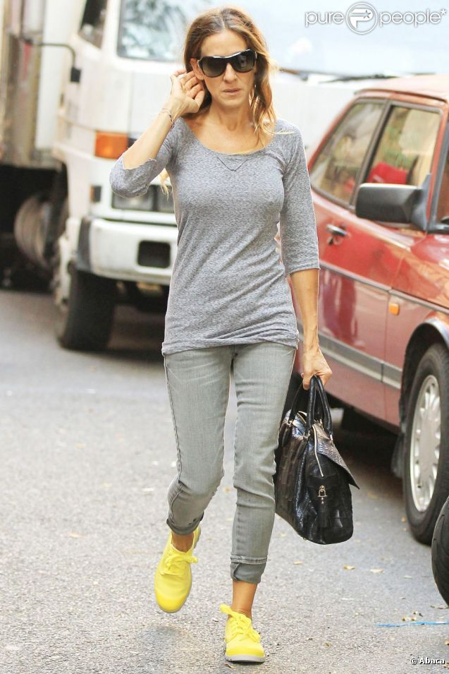 Sarah Jessica Parker dans un look décontracté accompagne son fils James à l'école à New York le 14 septembre 2012