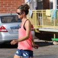 Alessandra Ambrosio sort de sa salle de sport à Los Angeles le 15 septembre 2012
