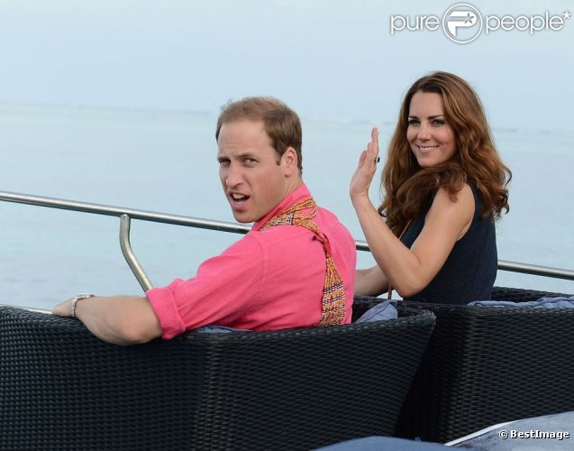 Kate Middleton et le prince William en arrivant au village de Marau dans l'archipel des Iles Salomon le 17 septembre 2012