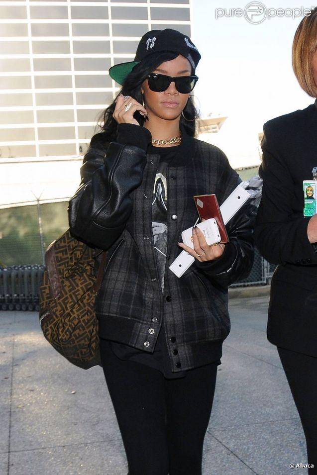 Rihanna, Kristen Stewart   Unanimes, les stars optent pour le sac à ... 0fc11dfd48d