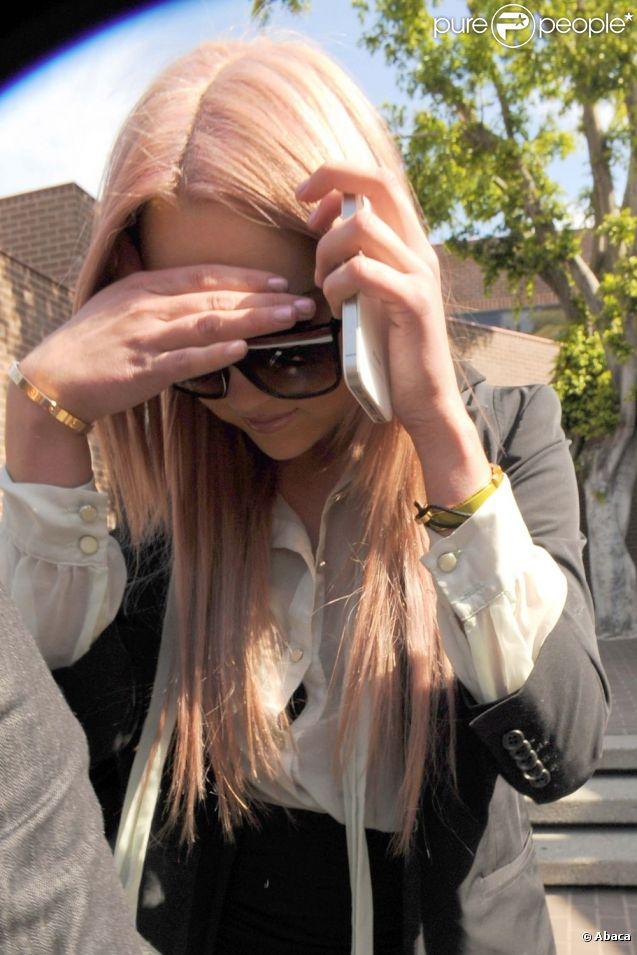 Amanda Bynes à la sortie d'un poste de police à Los Angeles, le 6 avril 2012.