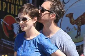 Anne Hathaway : Mariage imminent sous le soleil californien ?