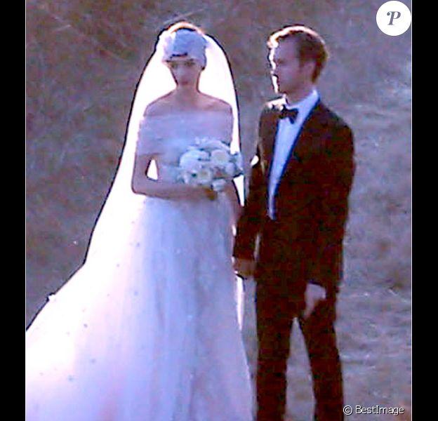 Mariage d'Anne Hathaway avec Adam Shulman à Big Sur le 29 septembre 2012
