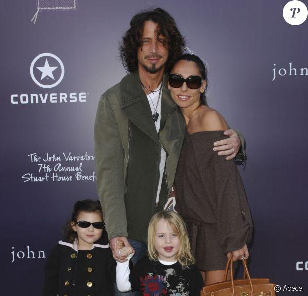 Chris Cornell avec sa femme Vicky et ses enfants en 2009
