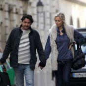 Adriana Karembeu et André Ohanian, paisibles amoureux dans les rues de Paris
